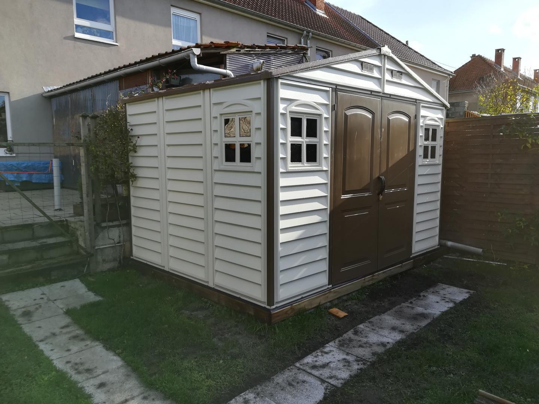 Abri de jardin en pvc woodstyle premium 7 68m duramax for Jardin 7 17
