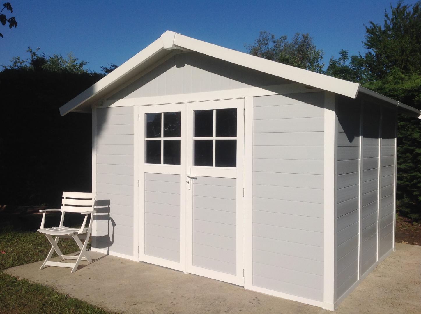 abri de jardin en pvc 7 5m deco gris clair et blanc grosfillex. Black Bedroom Furniture Sets. Home Design Ideas