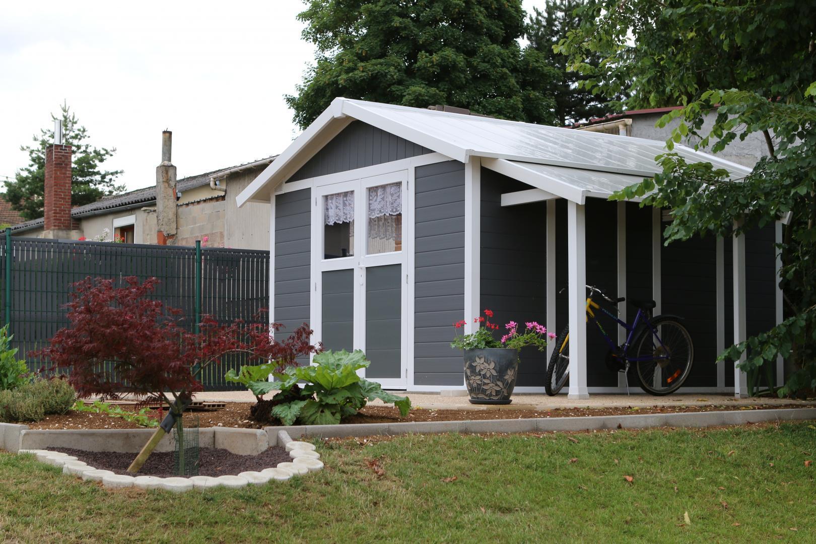 Abri de jardin en pvc 11 2m deco gris fonc et blanc for Abri de jardin en kit