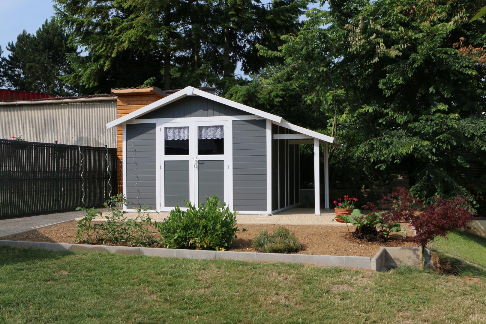 abri de jardin en pvc 11 2m deco gris fonc et blanc. Black Bedroom Furniture Sets. Home Design Ideas