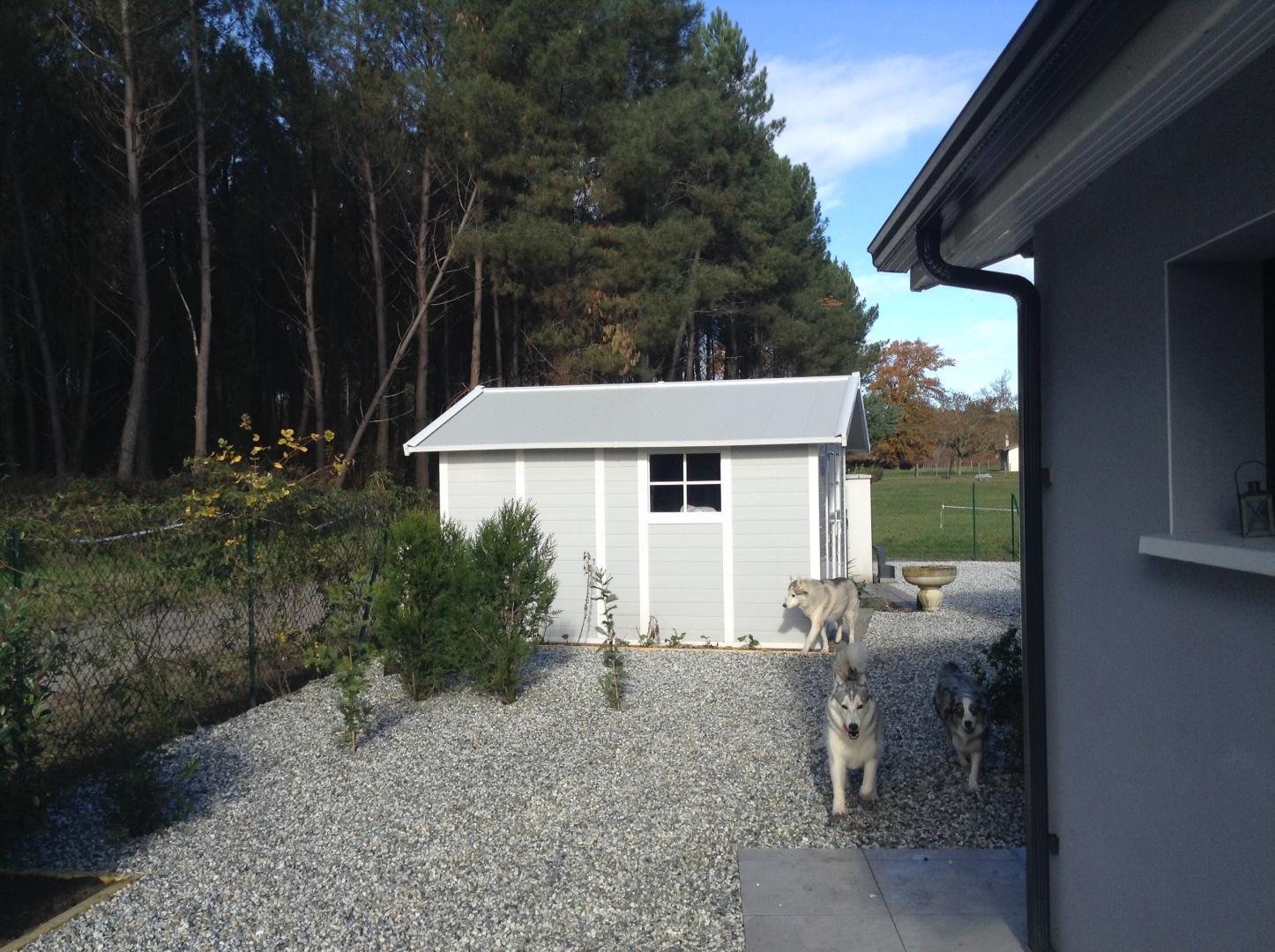 Abri de jardin en pvc 11 2m deco gris clair et blanc for Abris de jardin en pvc belgique