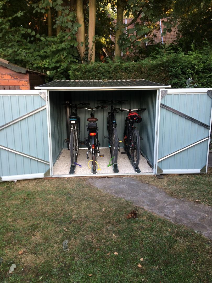 Fabriquer Un Abri Pour Velo abri pour 4 vélos en métal anthracite 4,2m² + kit d'ancrage