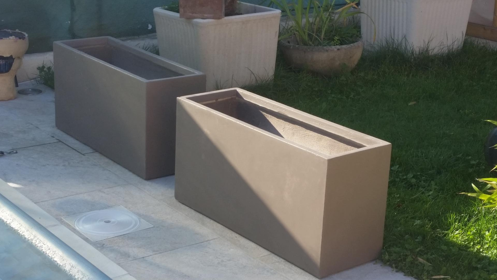 bac plantes en fibre de terre taupe. Black Bedroom Furniture Sets. Home Design Ideas